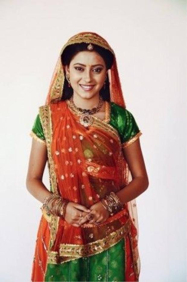 Vai diễn đã đưa cô gái Pratyusha Banerjee vô danh một bước vụt sáng thành ngôi sao hàng triệu người hâm mộ Ấn độ và đồng hành cùng cô trong suốt 4 năm.
