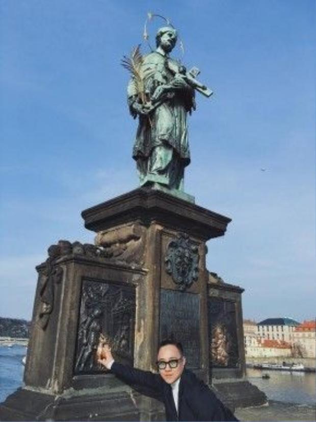 Tượng đài Cầu Thánh Charles - Prague Charles Bridge Statues.