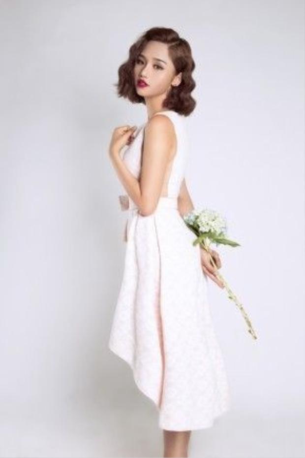 Ý tưởng thực hiện bộ hình mang lại cho Miu Lê sự khác biệt này đến từ stylist Trương Quang Diệu.