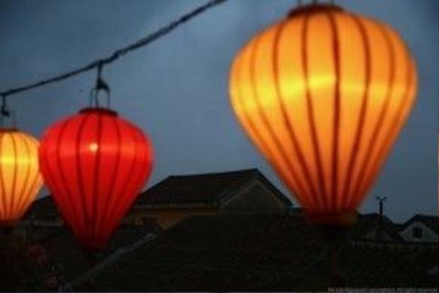 Đèn lồng - nét đặc trưng của phố Hội. Ảnh: Na Sơn.