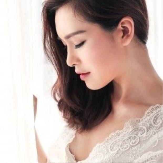 Với chiều cao lý tưởng 1m70, Phương Thu khá đắt show chụp mẫu thời trang và các trang mạng, tạp chí.
