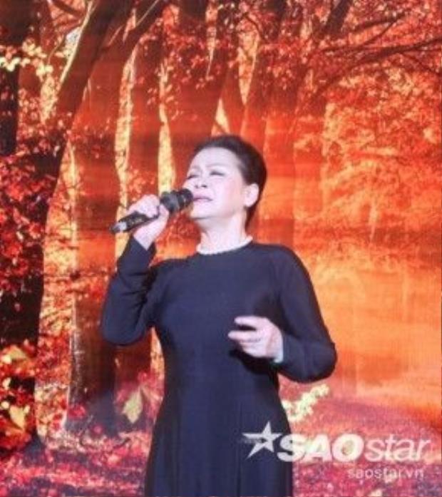 Thời gian đầu Khánh Ly gặp Trịnh Công Sơn cuộc sống rất khó khăn và ông Sơn coi Khánh Lynhư một thằng con trai.