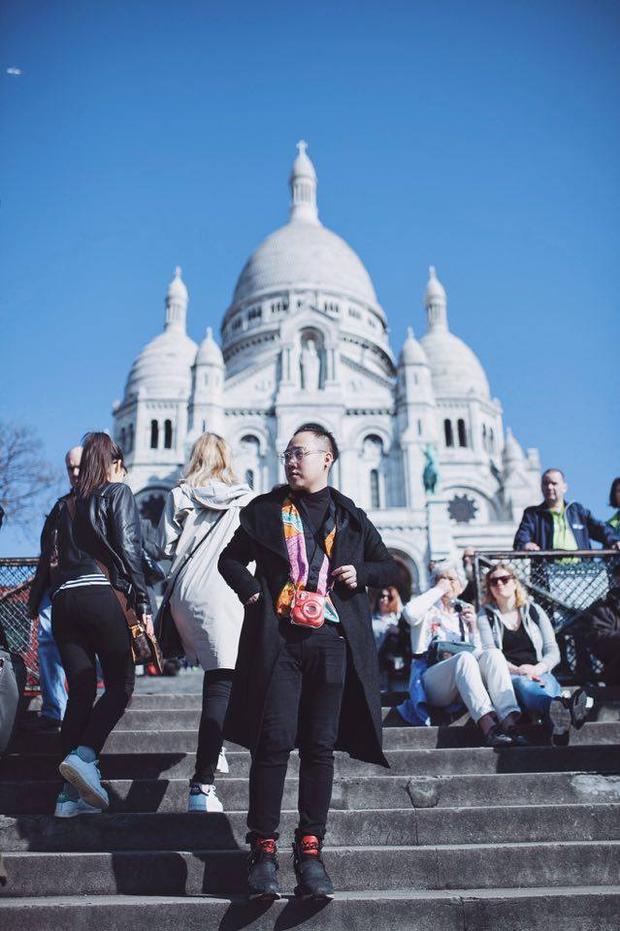 Thánh mưa phấn khích khi hoàn thành ước mơ đến Paris trước tuổi 30