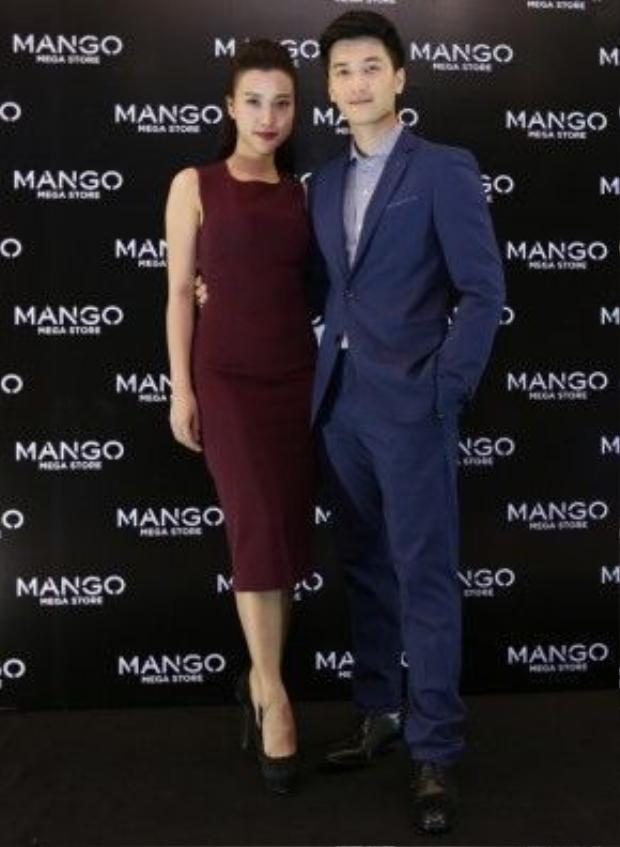 Cặp trai tài gái sắc Hoàng Oanh - Huỳnh Anh trong trang phục vô cùng sang trọng.