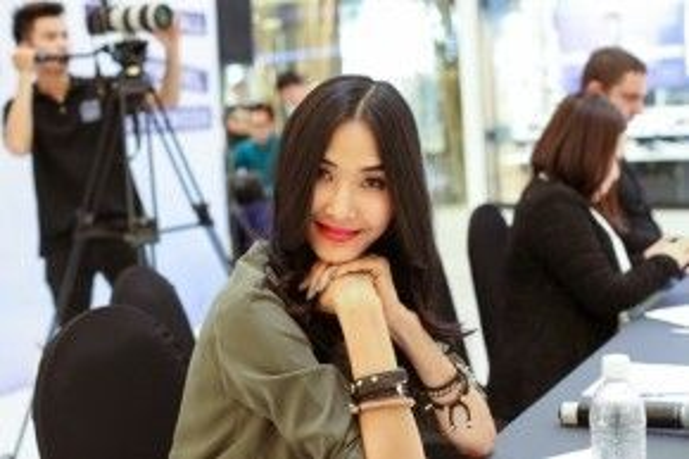 Hoàng Thùy - một trong những người mẫu thành công nhất làng thời trang Việt Nam hiện giờ. Cô thường xuyên góp mặt trên những sàn catwalk danh giá tại Milan, Paris…