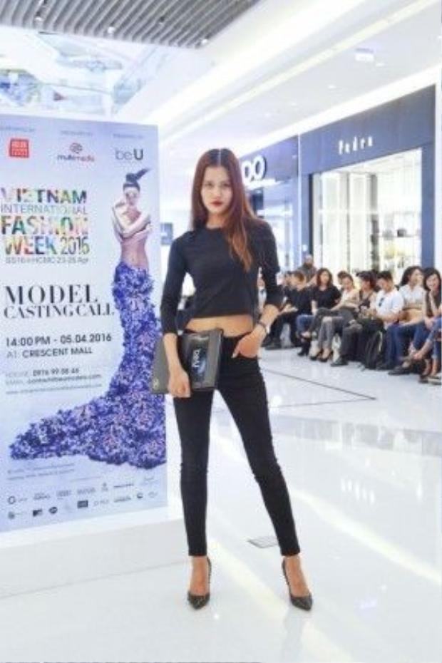Người mẫu Hương Ly.