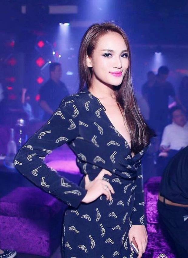 Thêm ca sĩ Việt công khai tin nhắn được mời đi khách giá 40 triệu