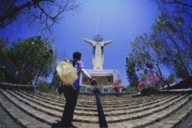 Núi Chúa trên đỉnh Núi Nhỏ - Vũng Tàu.