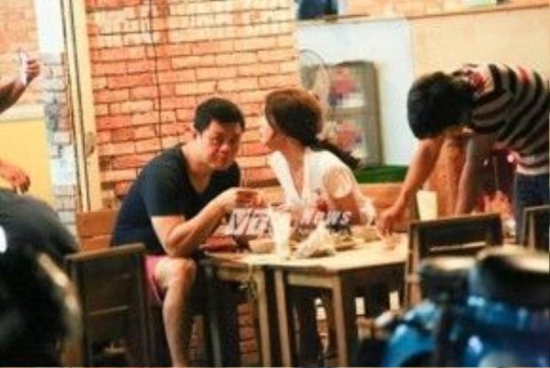 Đi ăn chỉ có hai người với nhau.