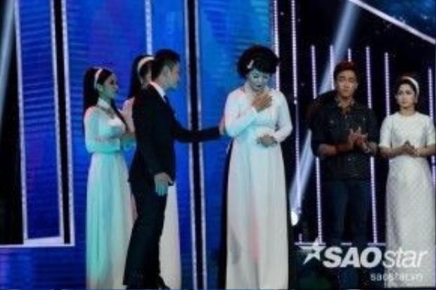 Đêm Liveshow 2 khép lại với sự dừng chân của thí sinh Phúc Lâm, team HLV Quang Dũng.