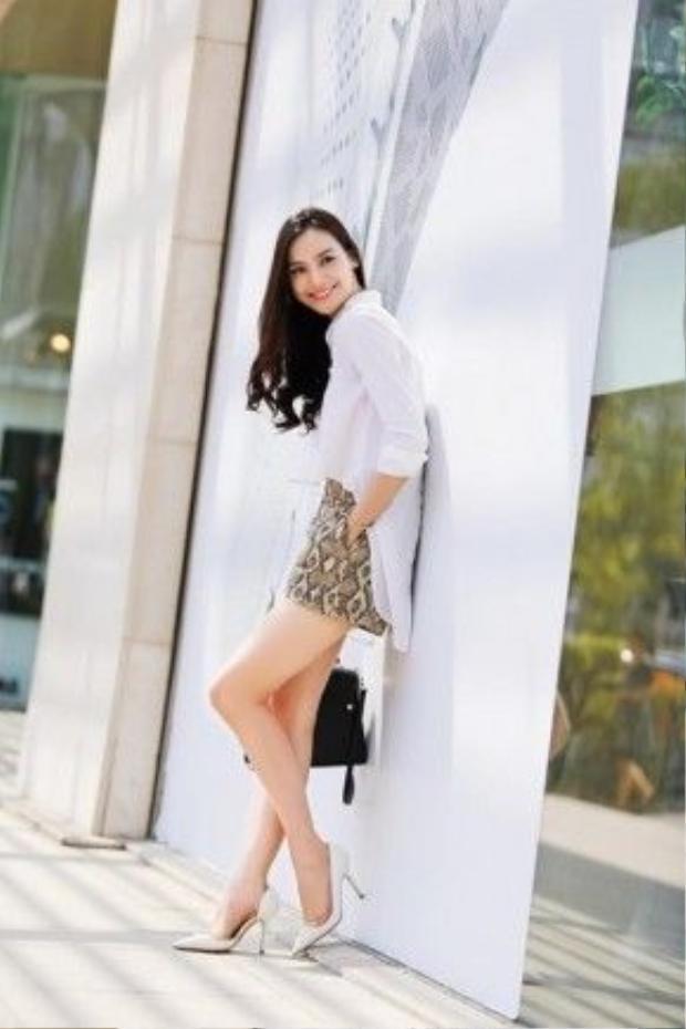 Cô nànggây ấn tượng với chiều cao 1m76 vàthân hình chuẩn người mẫu của mình.