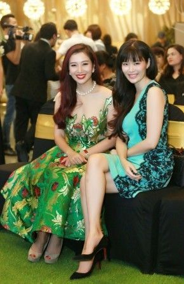 Hoa hậu Việt Nam 1994 đọ sắc cùng Á hậu Qúy bà Thế giới. Thu Thủy và Thu Hương hiện đều ở tuổi tứ tuần nhưng nhan sắc vẫn rất rạng rỡ. Cả hai được khen ngợi bởi sự thông minh, sắc sảo.