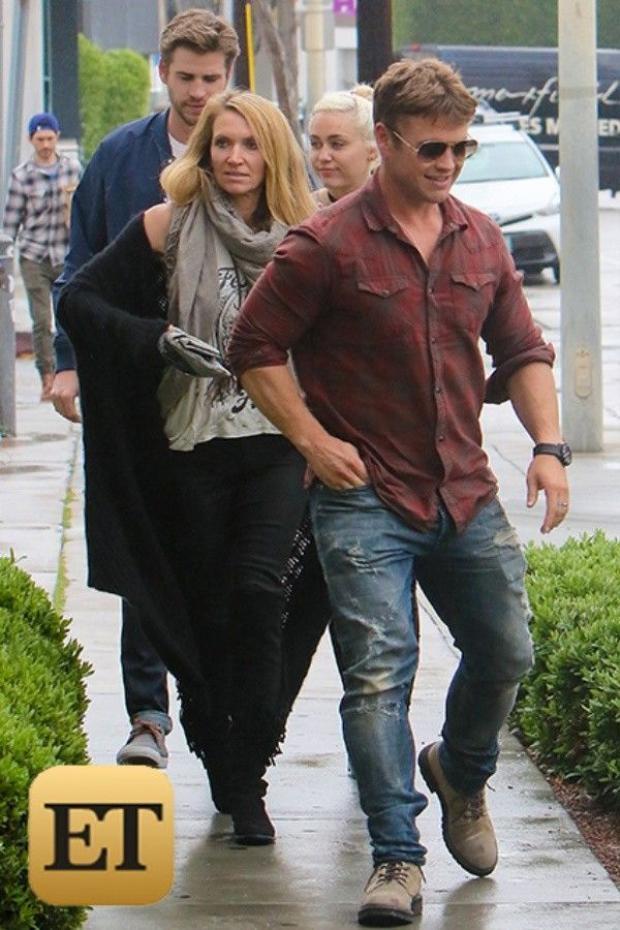Sau tất cả, Liam và Miley Cyrus đã lại ở bên nhau!