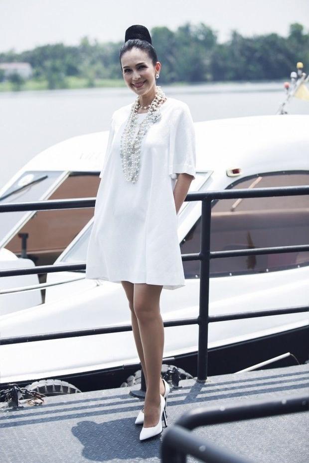 Gọi tên 4 item váy áo khiến sao nữ Việt phát cuồng cho ngày cuối tuần