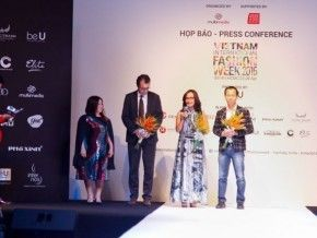 Lần quay trở lại lần này, Vietnam International Fashion Week 2016 cũng sẽ đón chào những NTK đến từ các nước trên thế giới.