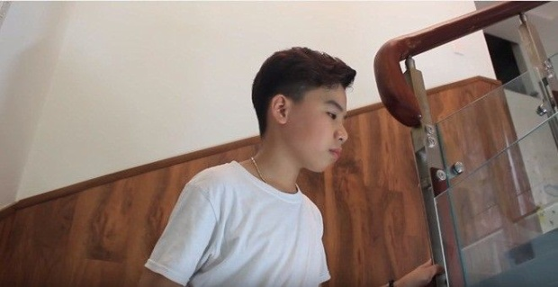 Cạn nước mắt với MV đầu tay của học trò Cẩm Ly: Cậu bé dân ca Công Quốc