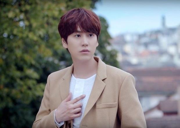 Fan SuJu bức xúc khi cậu út Kyuhyun bị sao Việt vô danh đạo nhái toàn bộ MV