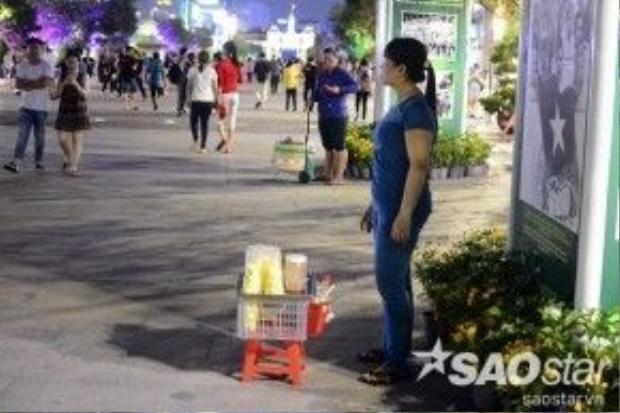 Việc giám sát, thực hiện lệnh cấm từ ngày 18/4 sẽ được thực hiện trực tiếp qua các lực lượng quản lý của phố đi bộ hoặc gián tiếp qua hình ảnh do các camera khu vực này ghi lại. Người dân TP HCM hy vọng, sau ngày 18/4, phố đi bộ Nguyễn Huệ sẽ trở lại với hình ảnh văn minh, sạch đẹp.