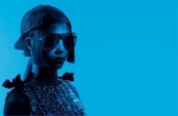 Kể từ năm 2012, Cara Delevingne đã trở thành cái tên quen thuộc đối với nhà Chanel, đồng thời cũng là người bạn thân thiết của Karl Lagerfeld.