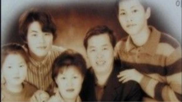 Gia đình của Song Joong Ki.