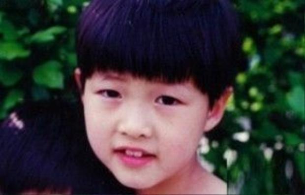 Song Joong Ki đẹp trai từ lúc còn nhỏ.