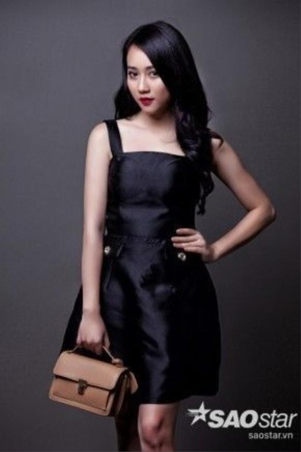 Cô nàng Katun luôn thích đắm mình trong gu thời trang lady minimalist, đơn giản nhưng đầy ấn tượng thế này.