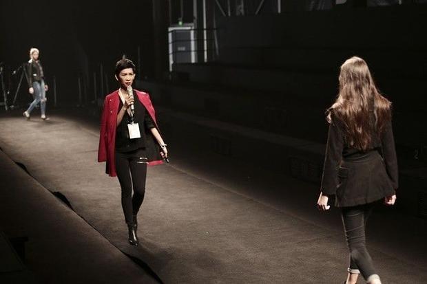 Siêu mẫu Xuân Lan tất bật tổng duyệt tại ShangHai Fashion Week