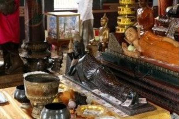 Tượng Phật trong chùa Bà Pênh, ngôi chùa cổ nhất Campuchia. Vào đây, du khách không nên cầu về tình duyên