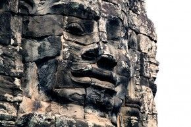 Và nụ cười Angkor huyền bí.