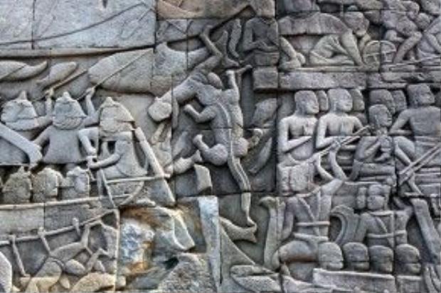 Những hoa văn, bức phù điêu tuyệt đẹp ghi lại cảnh sinh hoạt, chiến đấu của người Khmer cổ.