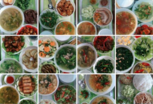 Mỗi mâm cơm gồm 3 món, có rau, thịt hoặc cá và một món canh. Tổng chi phí cho cả mâm là 50.000đ.