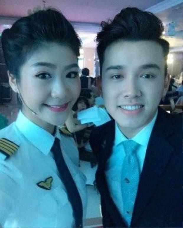 Anh Quân có mối quan hệ khá thân thiết với cơ trưởng Huỳnh Lý Đông Phương, bạn gái của ca sĩ Trương Thế Vinh