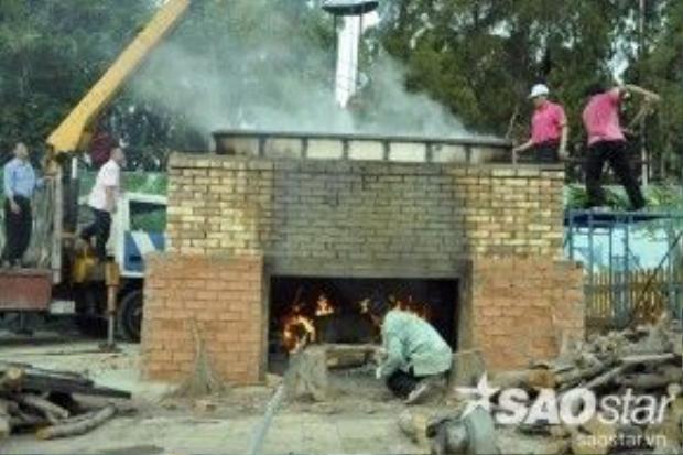 Phía công viên Đầm Sen phải thiết kế một bếp chuyên dụng cho việc nấu chiếc bánh khổng lồ.