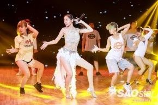Á quân Bước nhảy hoàn vũ 2011 hứa hẹn sẽ mang đến một màn trình diễn hấp dẫn.