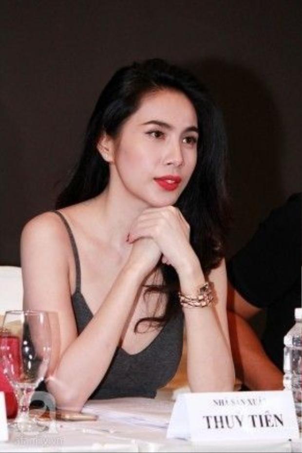 Cô nàng từng xuất hiện trong buổi casting phim do chính mình sản xuất với chiếc đồng hồ đính vàng và kim cương trị giá 2,7 tỷ đồng.