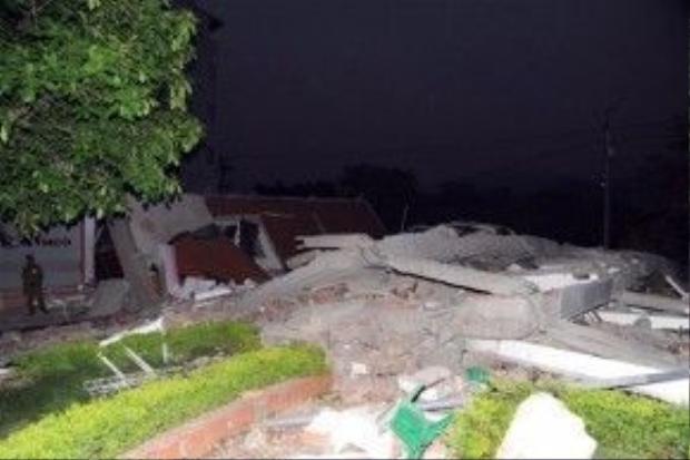 Hiện trường vụ sập nhà 5 tầng làm 3 người chết. Ảnh: Báo Cao Bằng.