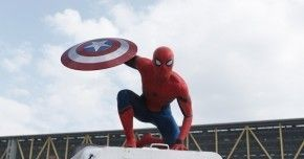 Cuối tháng tư này, khán giả Việt Nam sẽ có cơ hội chiêm ngưỡng Người Nhện xuất hiện trong siêubom tấn Captain America: Civil War.