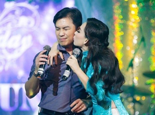 Đâu là bộ đôi dân ca được yêu thích nhất làng nhạc Việt?