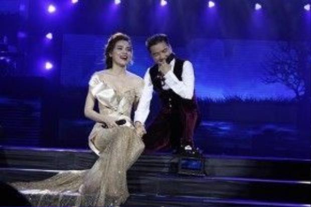 Trước Mãi mãi bên em, Hà Hồ cũng là khách mời trong đêm nhạc Người tình mùa đông diễn ra vào tháng 10/2015 tại Hà Nội và nhận được nhiều sự chú ý của khán giả.