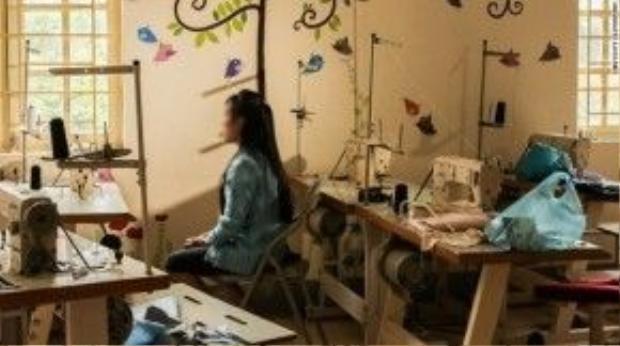 Một cô gái Việt trốn thoát khỏi bọn buôn người sau khi bị đưa sang Trung Quốc. Ảnh: CNN