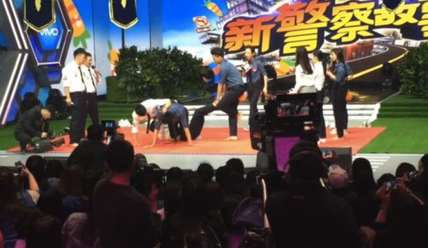 Cộng đồng fan tiếc nuối vì tập Happy Camp không được phát sóng của Du Châu quá tình cảm