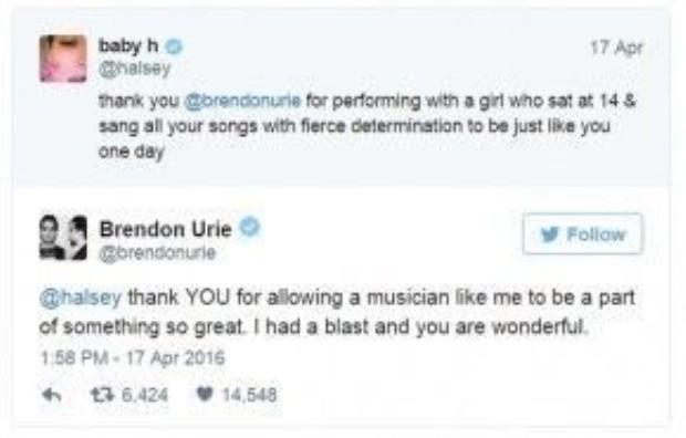 Họ còn tweet cho nhau trên Twitter sau khi trình diễn.