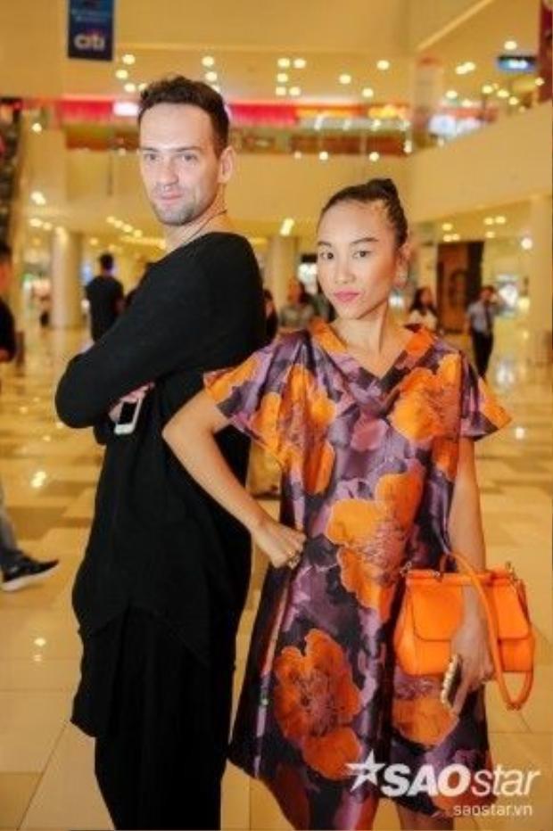 Nữ ca sĩ Đoan Trang và bạn nhảy Daniel.