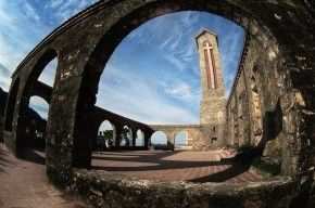 Nhà thờ cổ Tam Đảo.