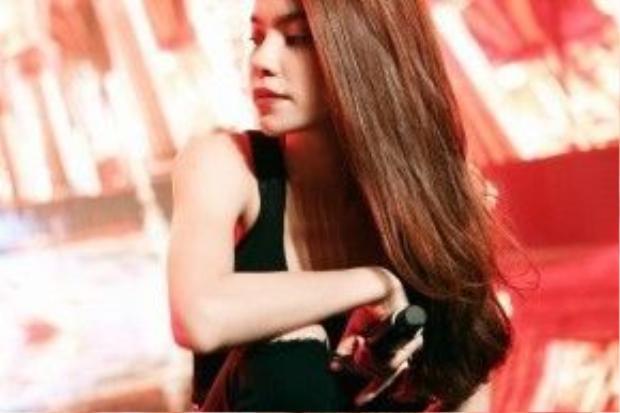Cùng ngắm những hình ảnh xinh đẹp trong buổi tập luyện của nữ ca sĩ xinh đẹp này…