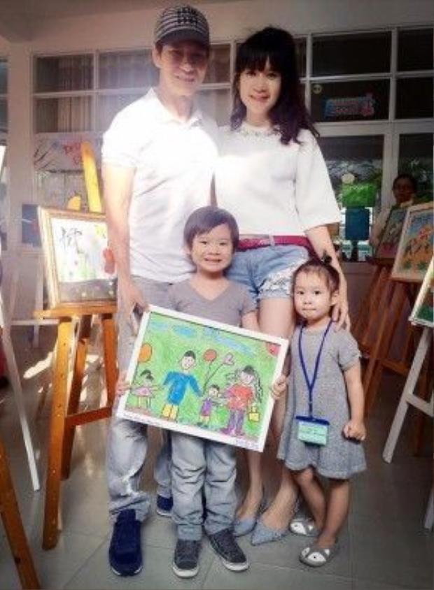 Vợ chồng Lý Hải cũng thường xuyên tham gia các hoạt động ngoại khóa ở trường với các con.