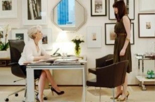 Điều mà bà chủ xị Runway muốn nói cho toàn thể phái đẹp chính là: Đã chịu dấn thân vào trong thế giới thời trang thì phải luôn có tác phong chuyên nghiệp dù chỉ là cái nhỏ nhặt nhất!