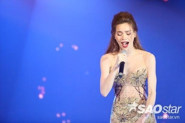 Hồ Ngọc Hà trọn cảm xúc hát Sau tất cả: Vì quá yêu anh nên không thể làm gì khác