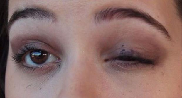Cười té ghế vì những thảm họa trang điểm mắt