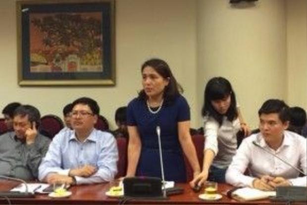 Trần Thị An giải thích về công bố quốc tế.